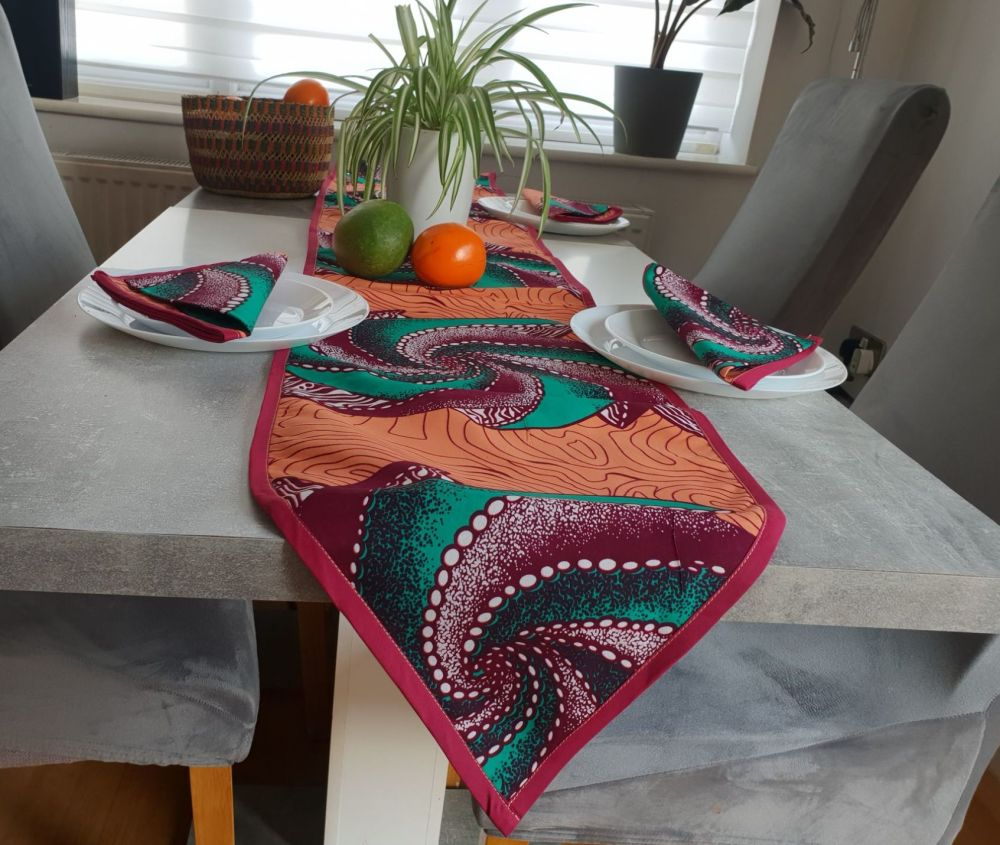 African Print /Table Runner and 6 Napkins Dining Table Set / Conch