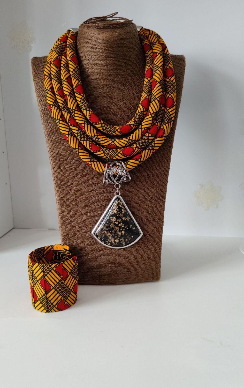 Awo Necklace Set
