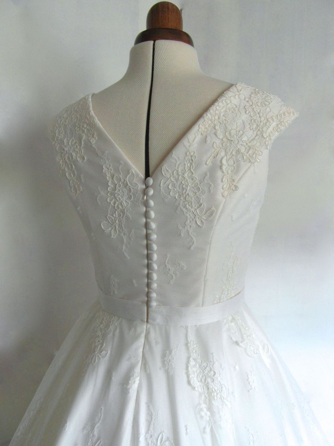 Lola-Rose lace 1950s tea length wedding dress buttons