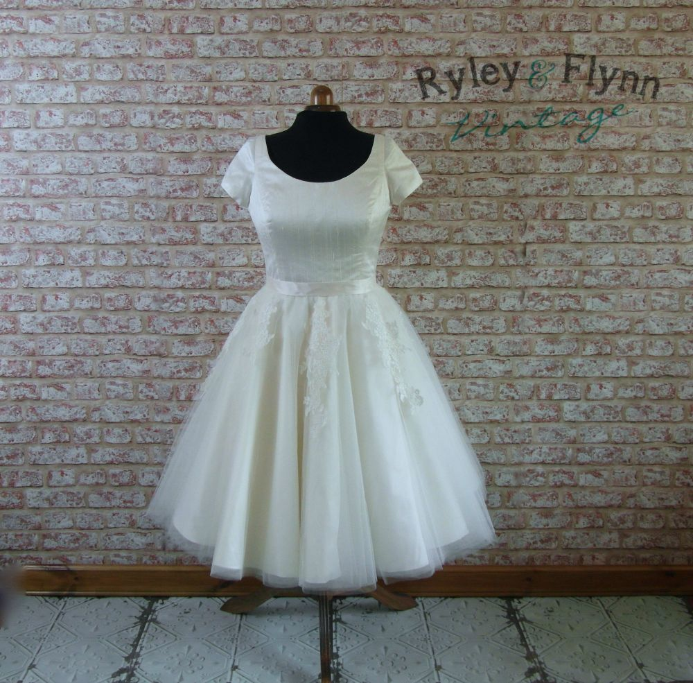 54949ffc9f34 Unique 1950s vintage tea length wedding dresses by Ryley & Flynn Vintage
