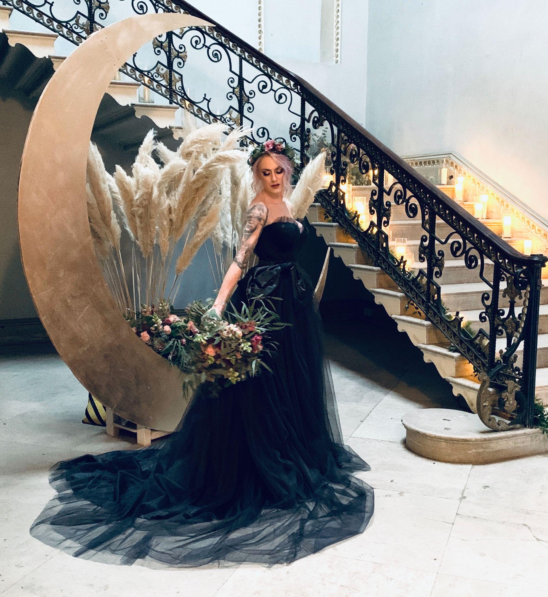 Black_corset_wedding_dress_1