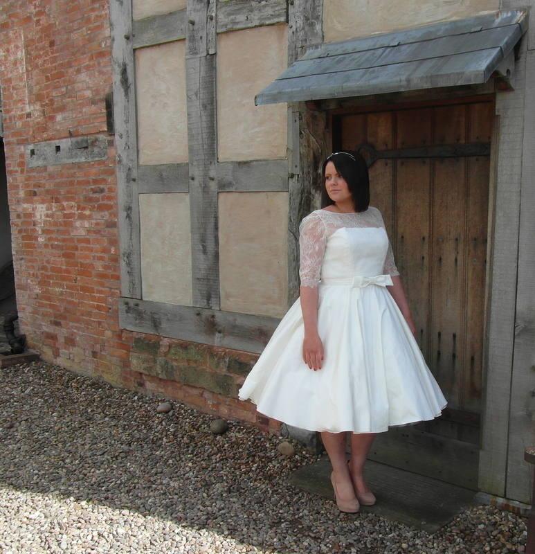 The Kelly 1950s tea length dress