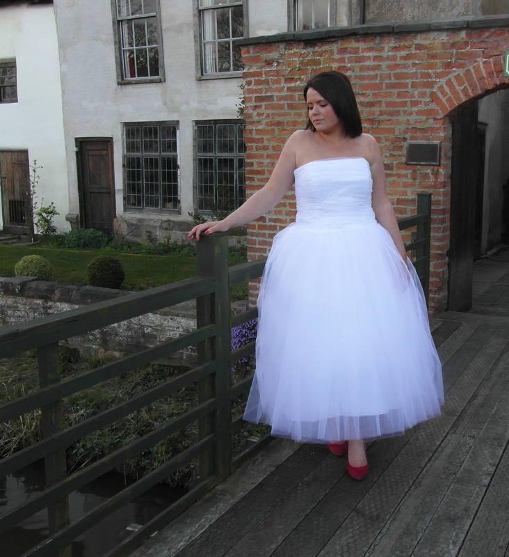 1950s ballerina length tea length dress