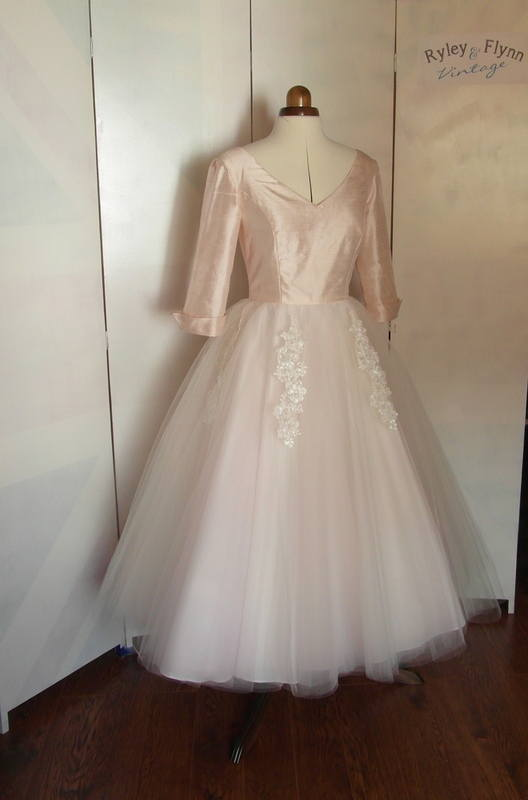 Grace kelly 1950s tea length wedding dress Grace kelly wedding dress design