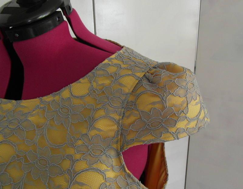 Lace cap sleeve