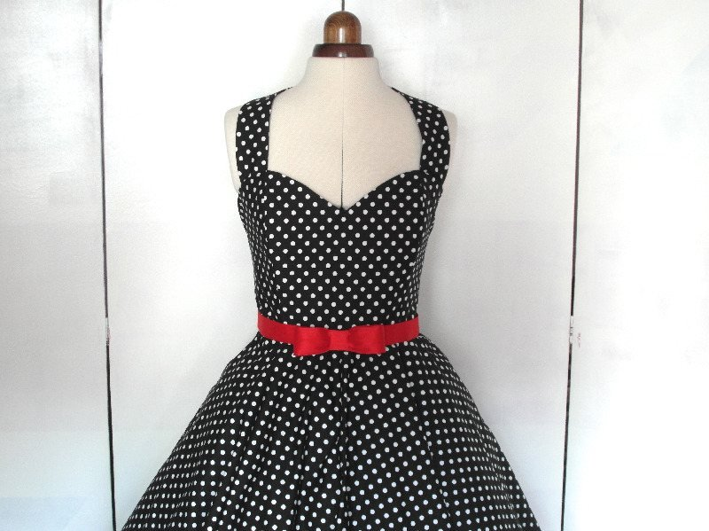Spotty rockabilly short bridesmaid dress
