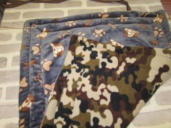 Handmade Posh Dog fleece travel mat - 004 - size M *