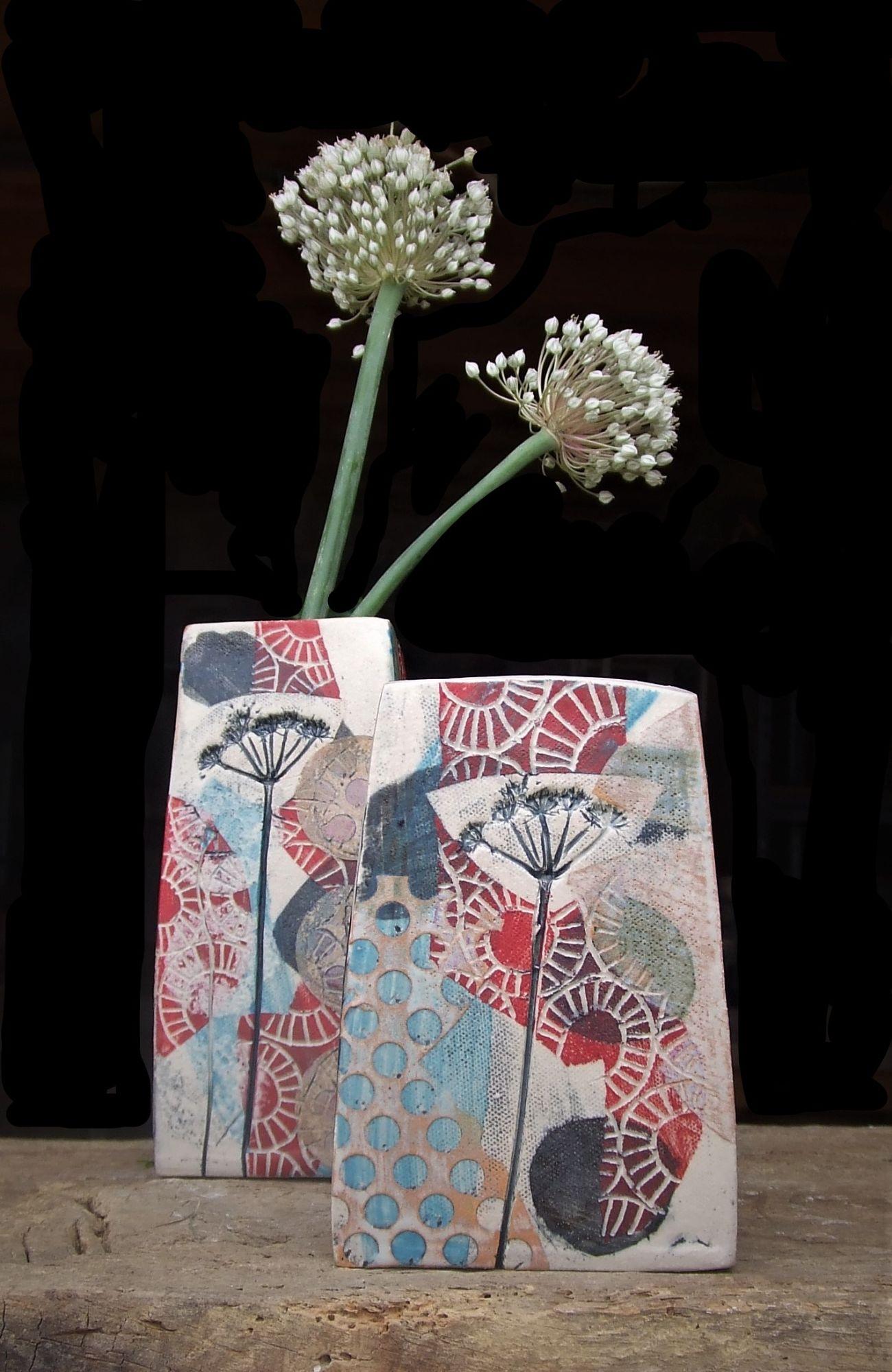 Square vase, red