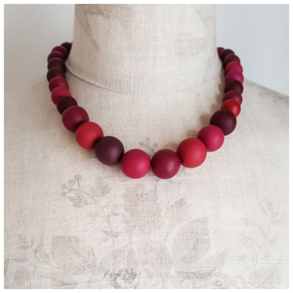 Graduated Bead Necklace in Blackberry Reds