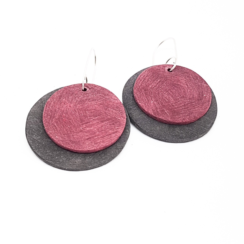 Giant Circles Scratched Earrings in Charcoal and Berry