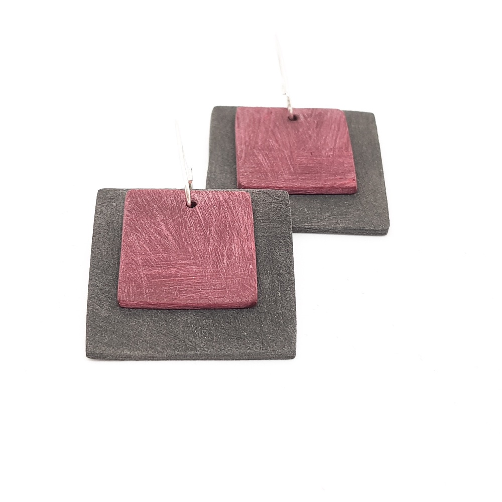 Giant Square Scratched Earrings in Charcoal and Berry Red