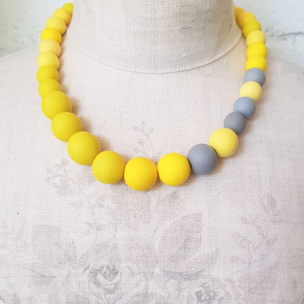 Graduated Bead Necklace in Yellow and Grey