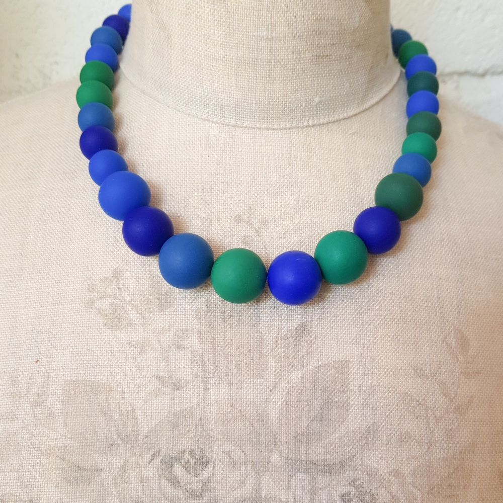 Graduated Bead Necklace in Shades of Blue and Emerald Green