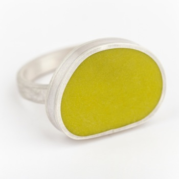Large Mishape Sulphur Yellow Colour Dot Ring Size P