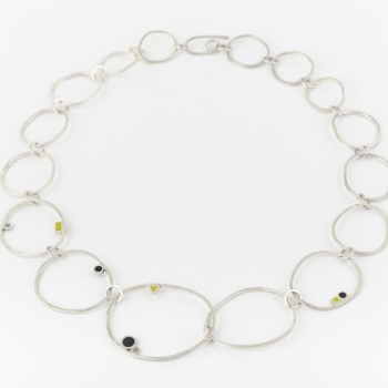 Statement Irregular Link Dot Neckpiece