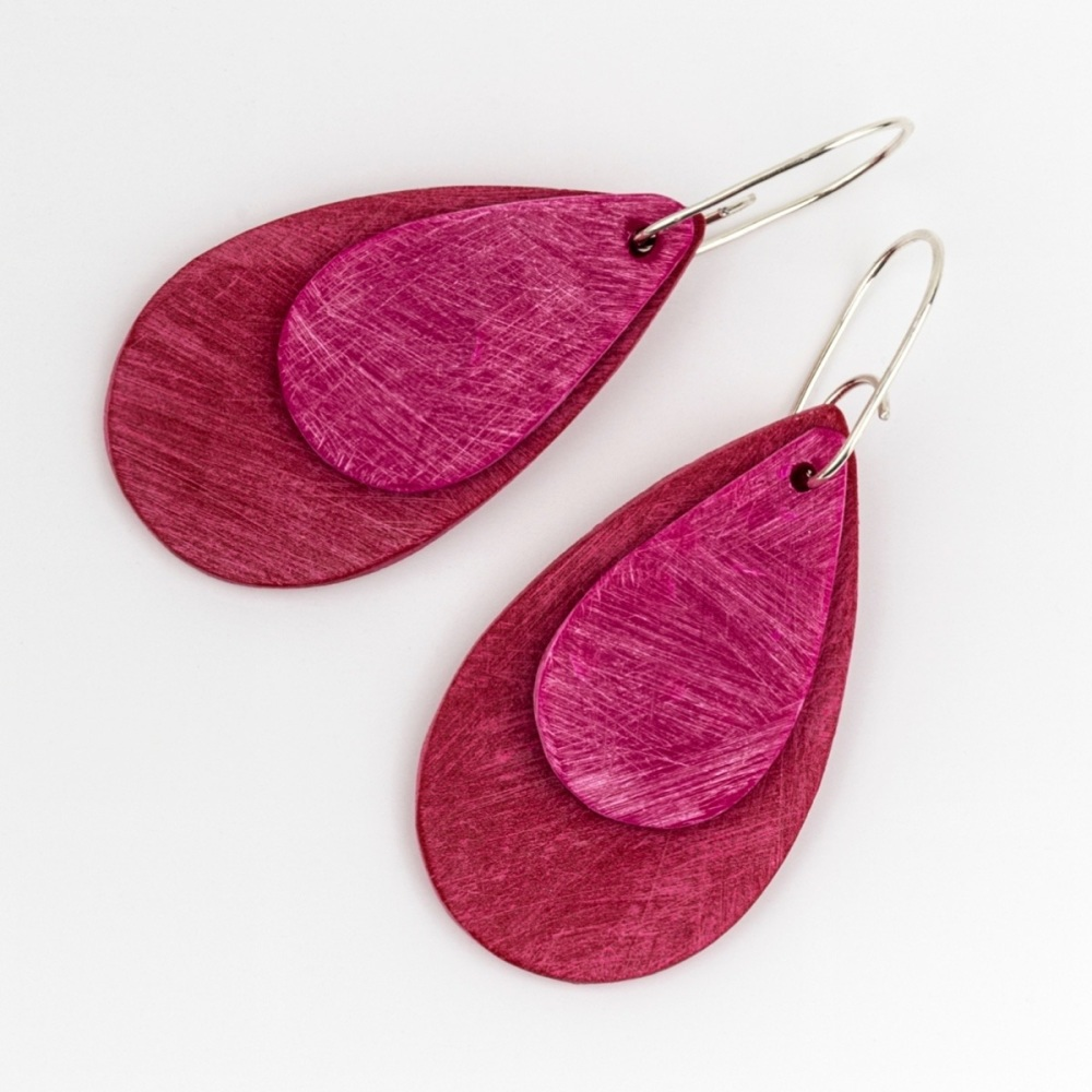 Giant Teardrop Scratched Earrings in Red and Cerise