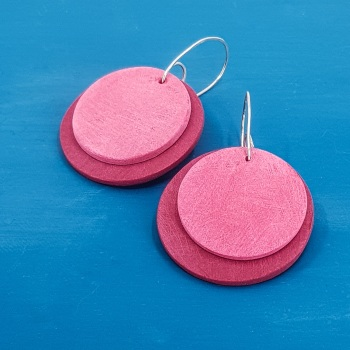 Giant Circles Scratched Earrings in  Pinky Red and Pink