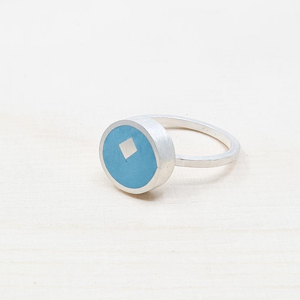 Medium Turquoise Colour Dot Ring Size O1/2
