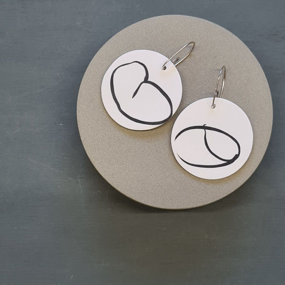 Abstract Scratched Circle Earrings - White and Black