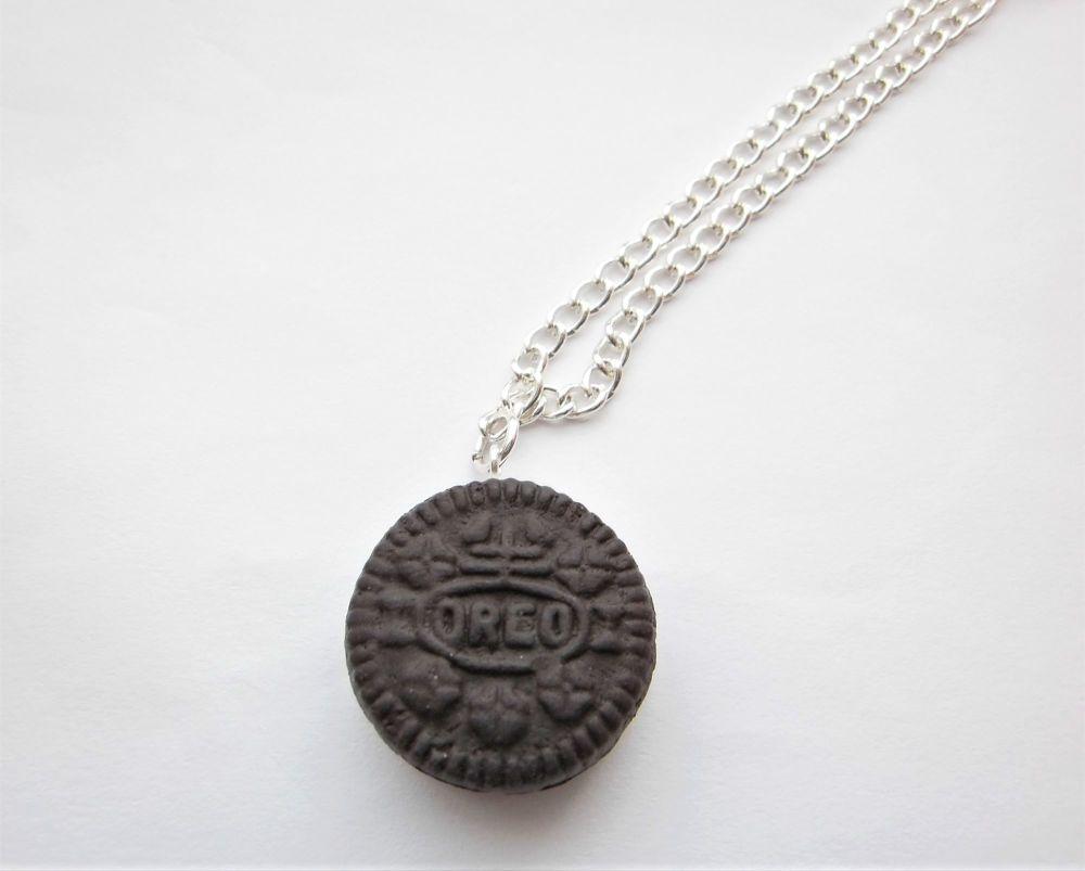 Small Oreo Necklace