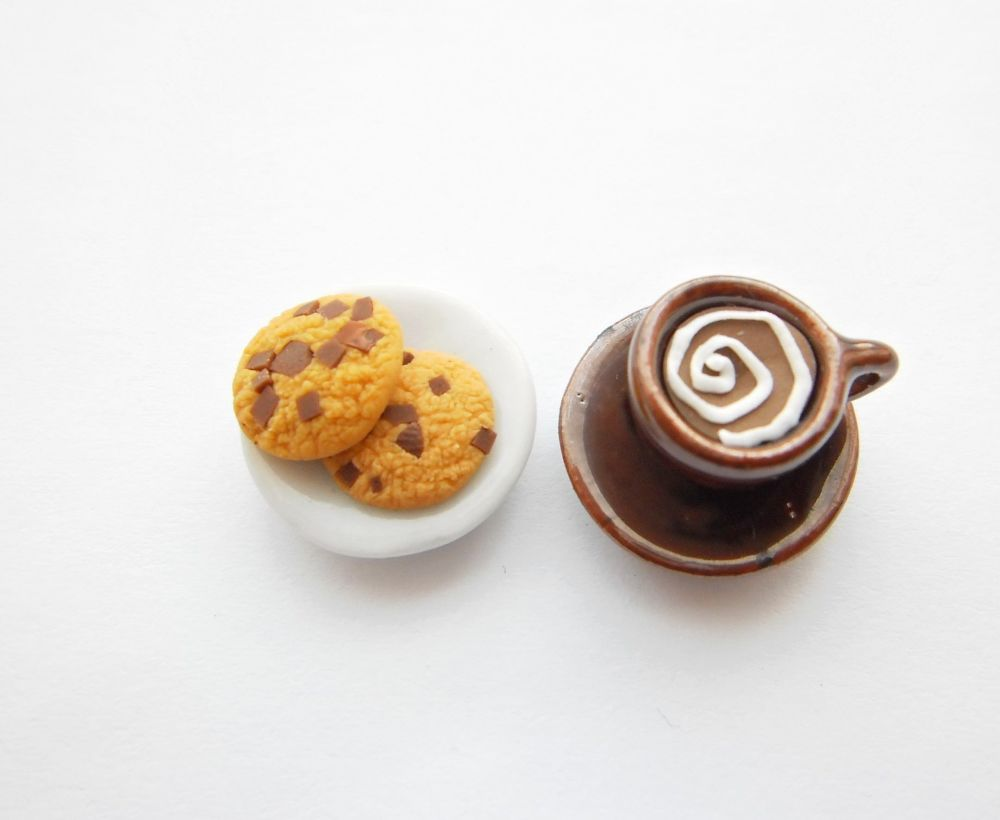 Chocolate Chip Cookies And Ring Set