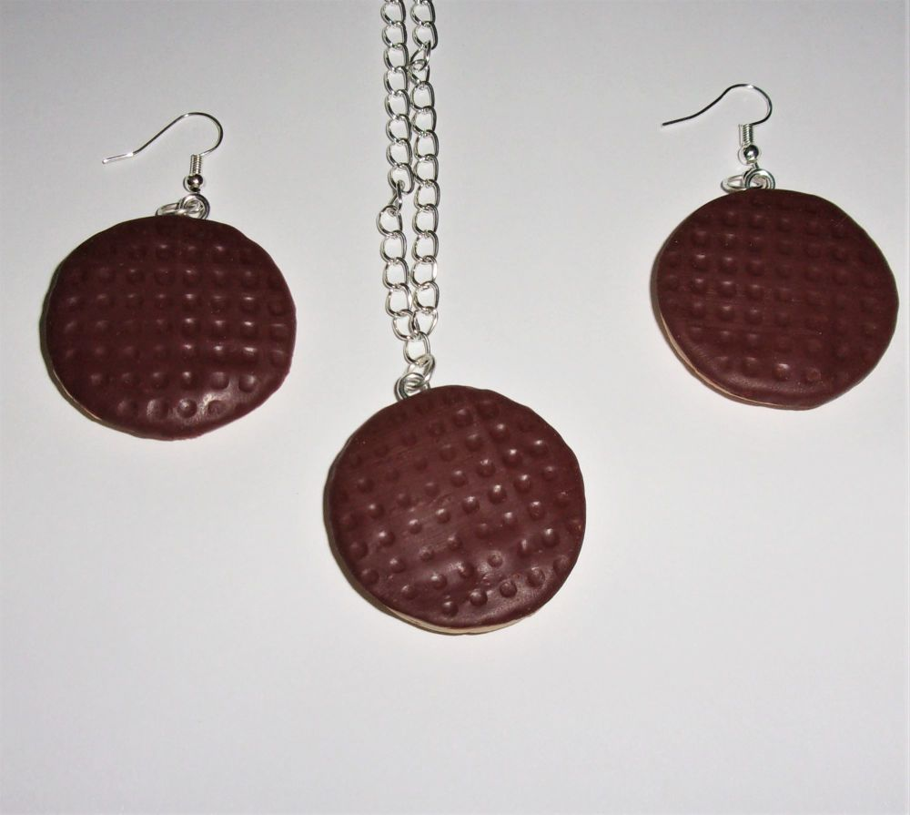 Large Digestive Earrings And Necklace Set