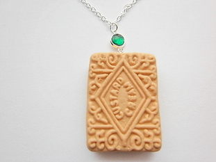 Gemstone Emerald Custard Cream Necklace