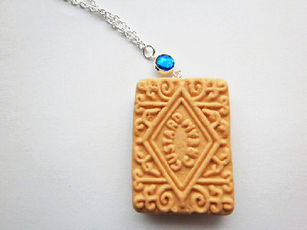 Gemstone Sapphire Custard Cream Necklace
