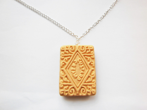 Cream Biscuit Necklace