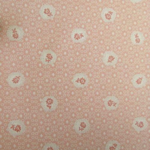 Lecien Fabric ~ Petite Pastels ~ Scallop Flower Pink