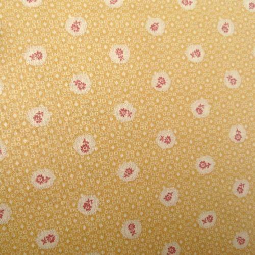 Lecien Fabric ~ Petite Pastels ~ Scallop Flower Custard