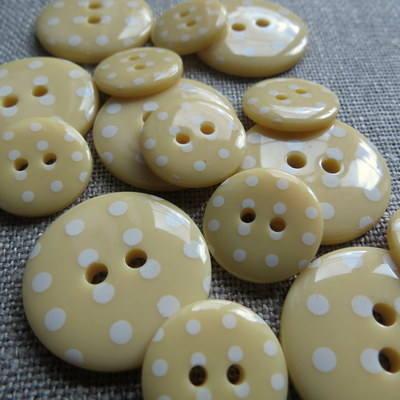 Custard Polka Dot Buttons