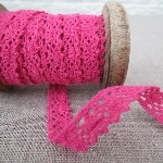 Narrow Scallop Lace ~ Fuchsia