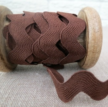 May Arts ~ Jumbo Ric Rac ~ Chocolate Brown