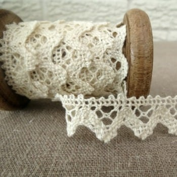 Medium Zig Zag Lace ~ Natural