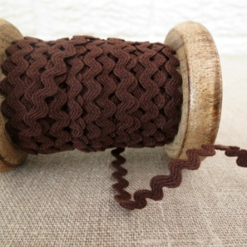 Small Ric Rac ~ Chocolate Brown