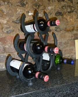 Horse Shoe 6 Bottle Wine Rack