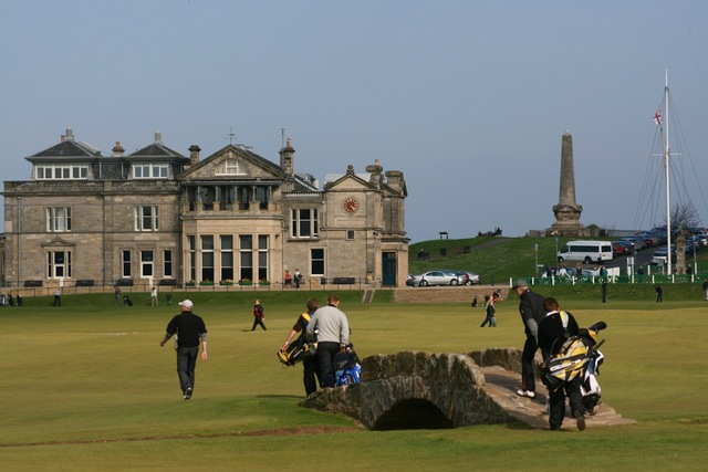 Private Taxi Edinburgh Airport to or from the Old Course Hotel, St Andrews,