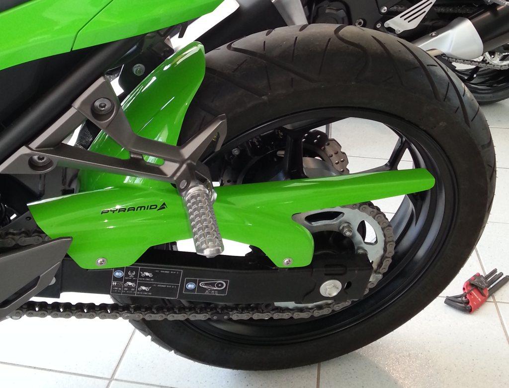 073020c_ninja_300_hugger_green_1