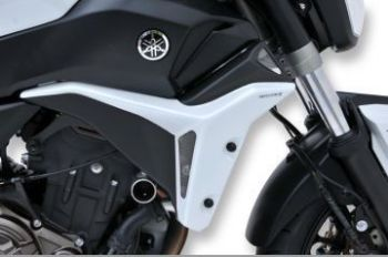 Yamaha MT07 Radiator Cheeks: Black/White 760209121