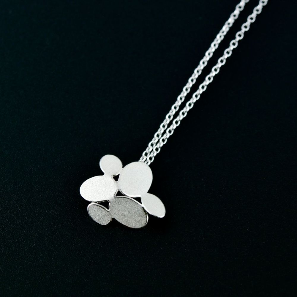 Mixed ovals flower pendant