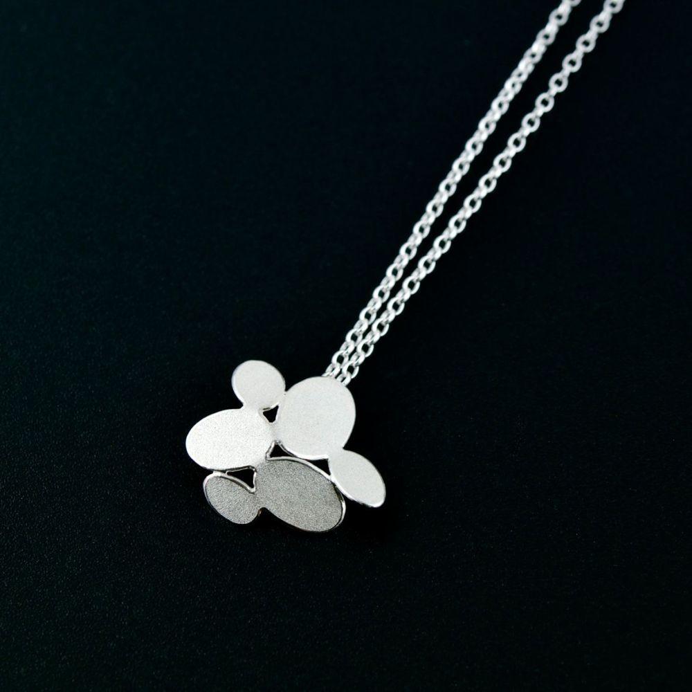 Mixed ovals flower pendant