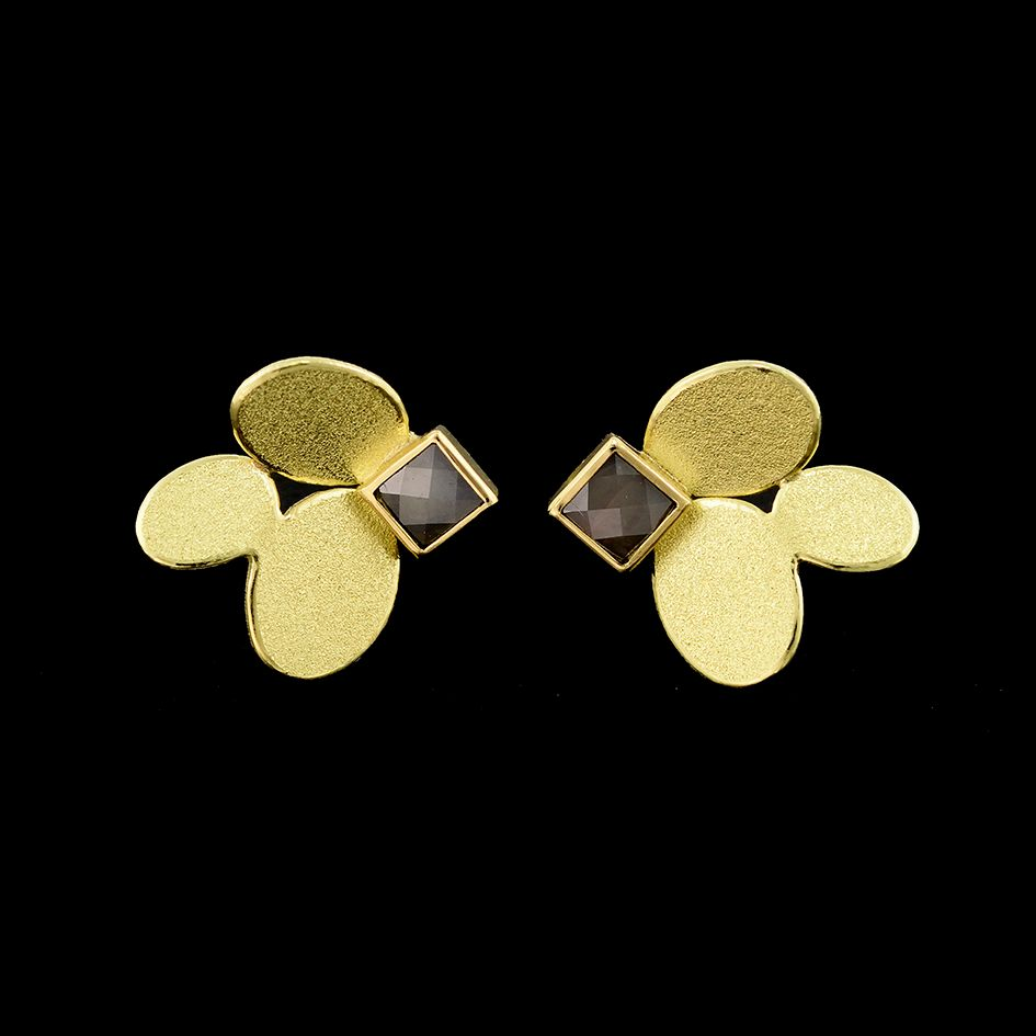 3 ovals earrings with diamond