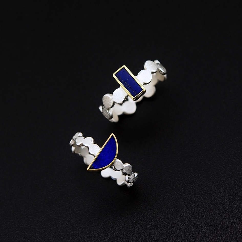 Simple pattern rings with lapis lazuli