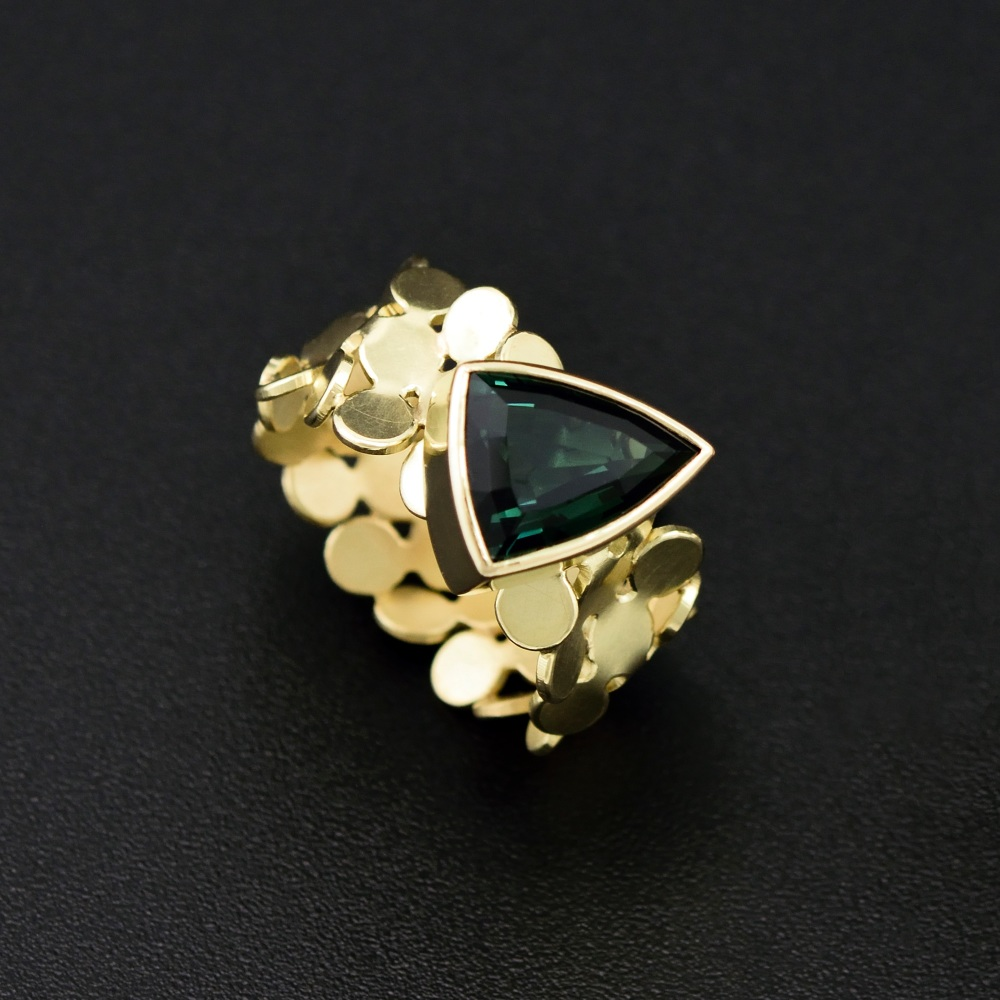 Parallelogram ring with tourmaline