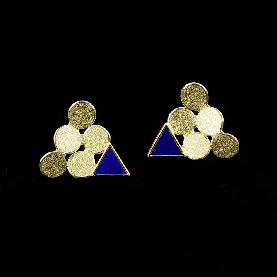 Triangle gold earrings with lapis lazuli