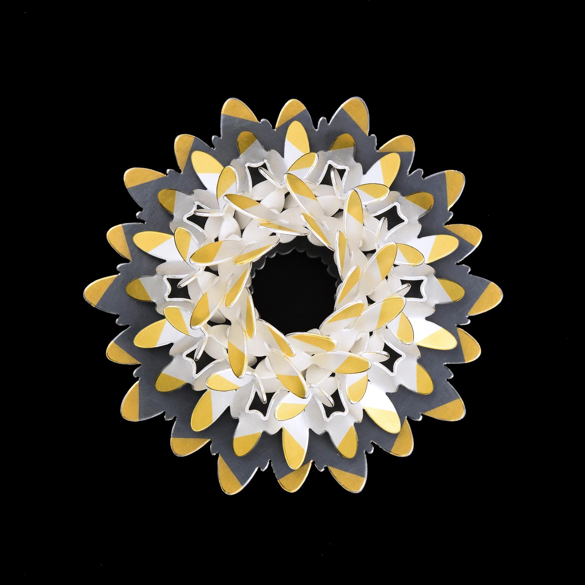 Circular ovals pattern brooch III