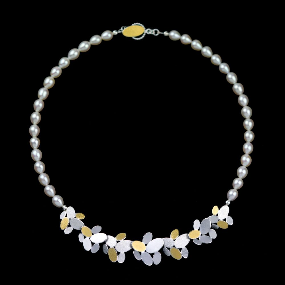 Mixed ovals flower chain pendant necklace