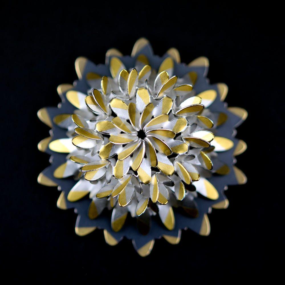 Circular ovals flower brooch