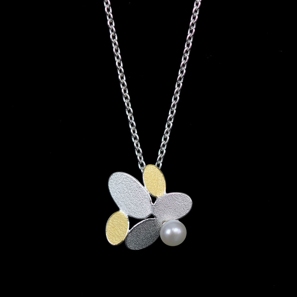 Mixed ovals flower pendant with pearl